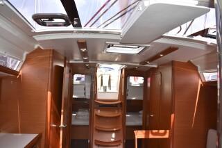 yacht nima sailing in lefkada amenities