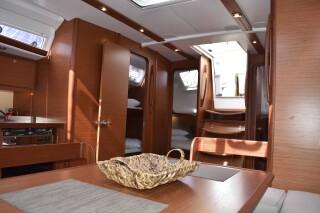 yacht nima sailing in lefkada facilities
